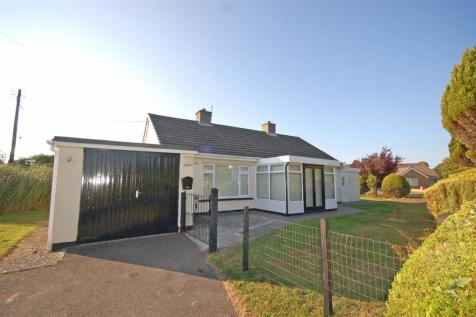 Waunfawr, Aberystwyth, Mid Wales - Detached Bungalow / 2 bedroom detached bungalow for sale / £218,000