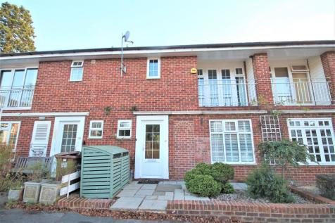 Milton Close, Henley on Thames. 3 bedroom town house