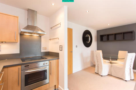 Riverside West Apartments, Whitehall Road, Leeds, LS1 4AW. 2 bedroom flat
