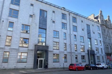 Crown Street, Aberdeen, AB11 6AY. 2 bedroom flat