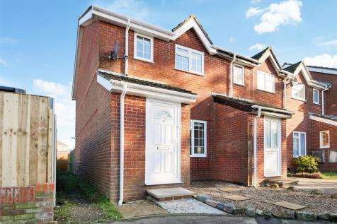 Chatsworth Road, Chichester. 2 bedroom house