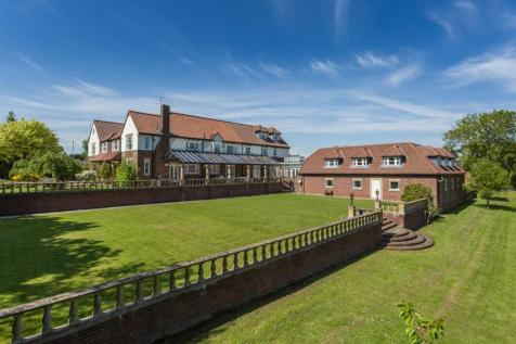 High Lane, Maltby. 5 bedroom character property