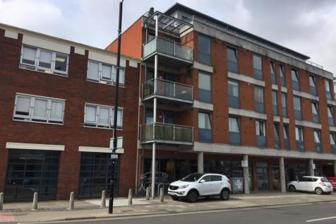 Lesley Court, Rainsford Road, Chelmsford, CM1. 2 bedroom property