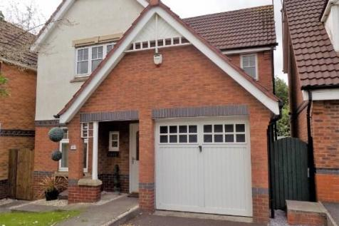 Ascot Drive, Dosthill, Tamworth. 3 bedroom detached house