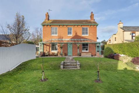 Staplegrove Road, Taunton. 4 bedroom detached house for sale