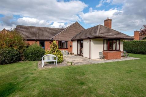 Killams Lane, Taunton. 3 bedroom bungalow for sale