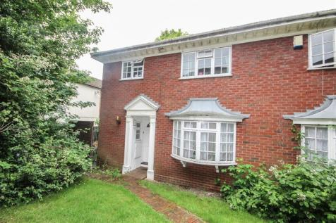 Grosvenor Mews, Grosvenor Close, Southampton. 4 bedroom end of terrace house