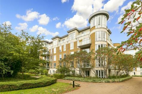 Terrano House, Melliss Avenue, Kew, TW9. 3 bedroom apartment for sale