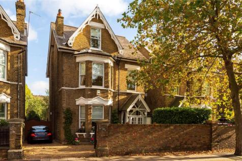 Mortlake Road, Kew, Surrey, TW9. 6 bedroom link detached house for sale