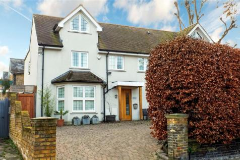 Kew Road, Kew, Surrey, TW9. 4 bedroom semi-detached house for sale