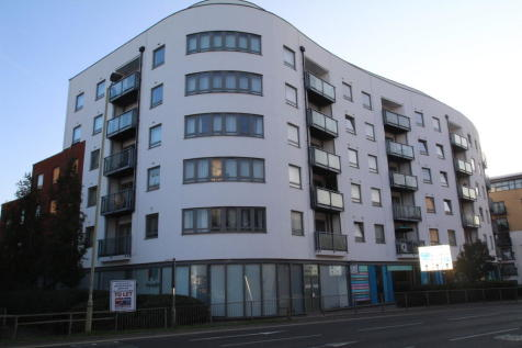 Ashleigh Court, Watford WD17 2PJ. 2 bedroom flat