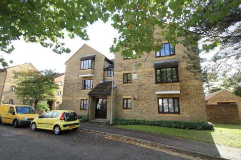 Jasmin Close, Northwood HA6 1DH. 1 bedroom flat