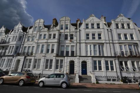 West Parade, Bexhill-on-Sea, TN39. 2 bedroom flat