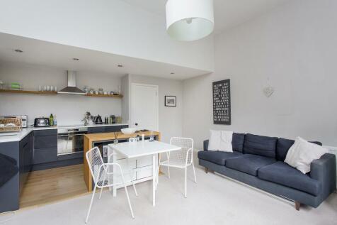 Chivalry Road, Battersea, SW11. 1 bedroom flat