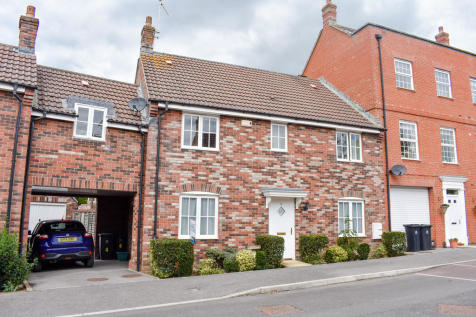 Long Close, Sturminster Newton. 5 bedroom town house