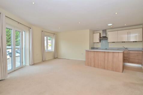 2 bedroom 1st Floor Apartment in Loughton. 2 bedroom apartment