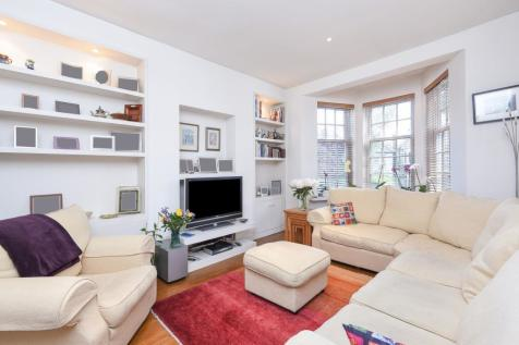 Beechwood Avenue, Finchley, N3. 4 bedroom detached house for sale