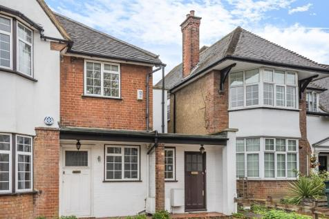 Hervey Close, Finchley, N3. 2 bedroom apartment