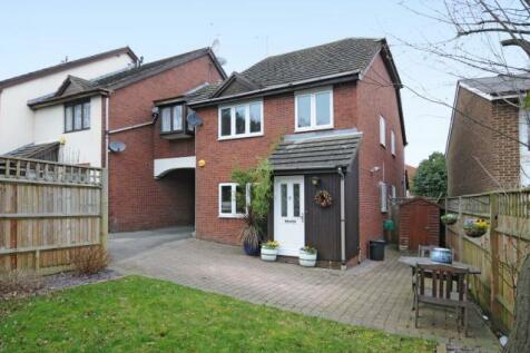 Northwood, Harrow, HA6. 2 bedroom link detached house