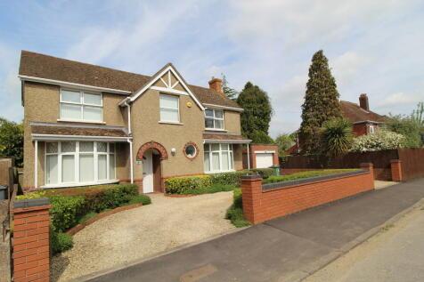 Tuffley Crescent Gloucester. 3 bedroom detached house