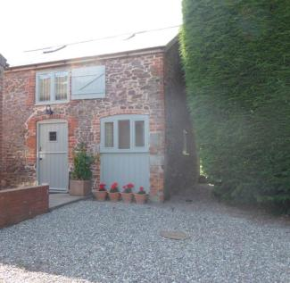 Stable Cottage, Whalleybourne Farm. 1 bedroom barn conversion