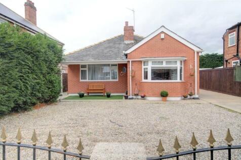 Kensington Gardens, Darlington, DL1. 4 bedroom bungalow for sale