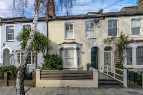 Raleigh Road, Richmond, TW9. 4 bedroom terraced house for sale