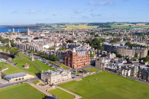 Hamilton Grand, 21 Golf Place, St. Andrews, Fife, KY16. 2 bedroom penthouse for sale