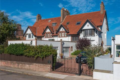 Lynton House, Bayswell Park, Dunbar, East Lothian, EH42. 5 bedroom semi-detached house for sale