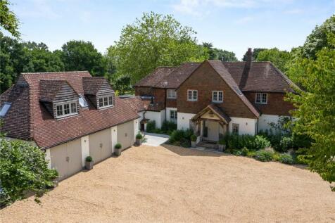 Amlets Lane, Cranleigh, Surrey, GU6. 5 bedroom detached house