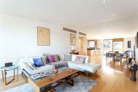 Trinity Gate, Epsom Road, Guildford, Surrey, GU1. 3 bedroom penthouse