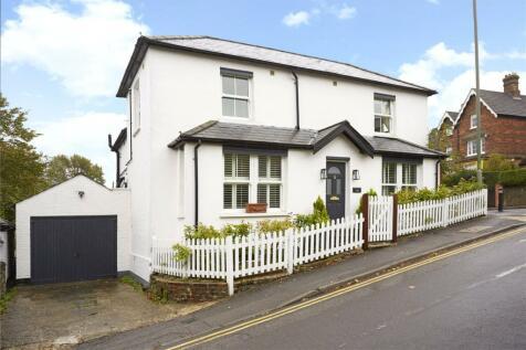 Harvey Road, Guildford, Surrey, GU1. 3 bedroom detached house for sale