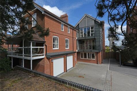 Park Gate, Park Road, Ipswich, IP1. 5 bedroom detached house