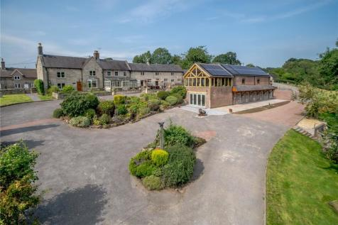 Stanton Lane, Ellastone, Ashbourne, Derbyshire, DE6. 5 bedroom equestrian facility