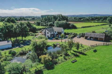 Bandalls Lane, Barrow upon Soar, Loughborough, Leicestershire, LE12. 5 bedroom equestrian facility for sale