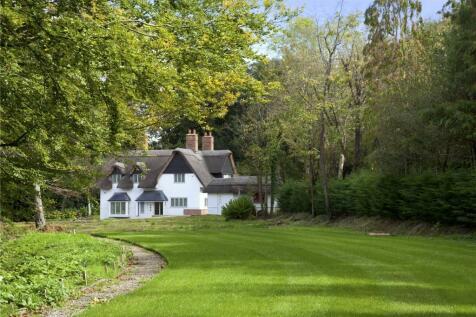 Blackhall Lane, Godden Green, Sevenoaks, Kent, TN15. 4 bedroom detached house for sale