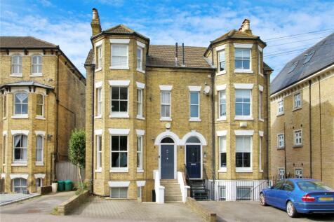 Dartford Road, Sevenoaks, Kent, TN13. 4 bedroom semi-detached house for sale