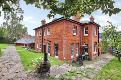 Maidstone Road, Sevenoaks, Kent, TN13. 5 bedroom detached house