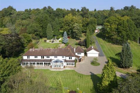 Grove Road, Seal, Sevenoaks, Kent, TN15. 5 bedroom detached house for sale