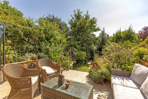 Ellerton Road, Wandsworth, London, SW18. 4 bedroom terraced house for sale