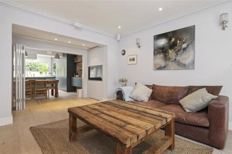 Alwyne Square, Islington, London, N1. 5 bedroom end of terrace house for sale