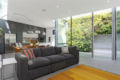 Islington Place, Islington, London, N1. 4 bedroom detached house