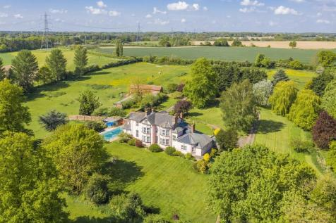 Layham, Ipswich, Suffolk. 6 bedroom detached house for sale