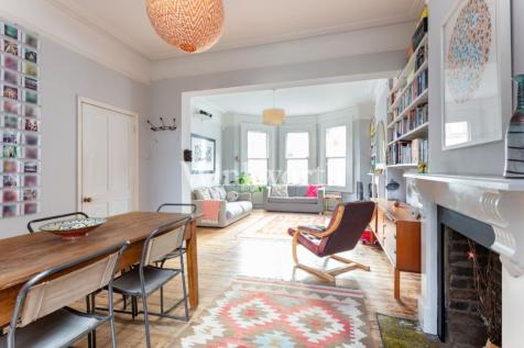 Duckett Road, London, N4. 4 bedroom end of terrace house for sale
