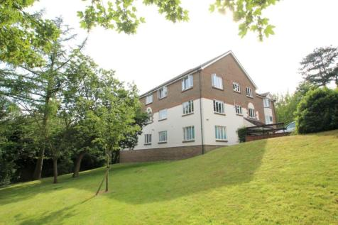 St Annes Rise, Redhill. 2 bedroom flat