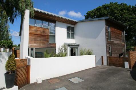 Appledore Road , Tenterden. 3 bedroom detached house