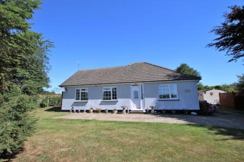 Lenham Forstal Road, Lenham Heath. 3 bedroom detached bungalow