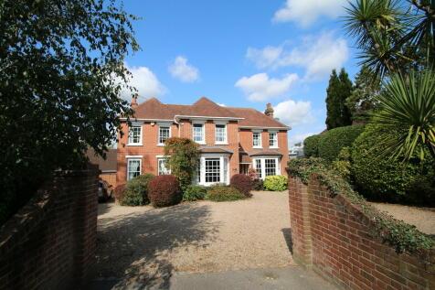 Ashford Road, Tenterden. 5 bedroom detached house