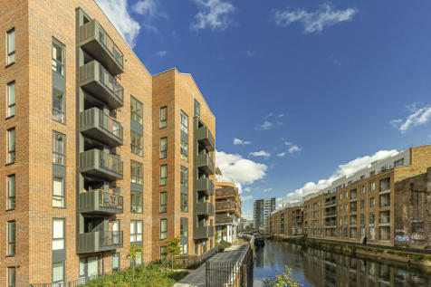 Rope Court, 11 Canoe Walk, Limehouse, E14. 3 bedroom flat for sale