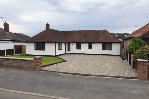 Smithy Lane, Wrexham. 4 bedroom detached bungalow for sale